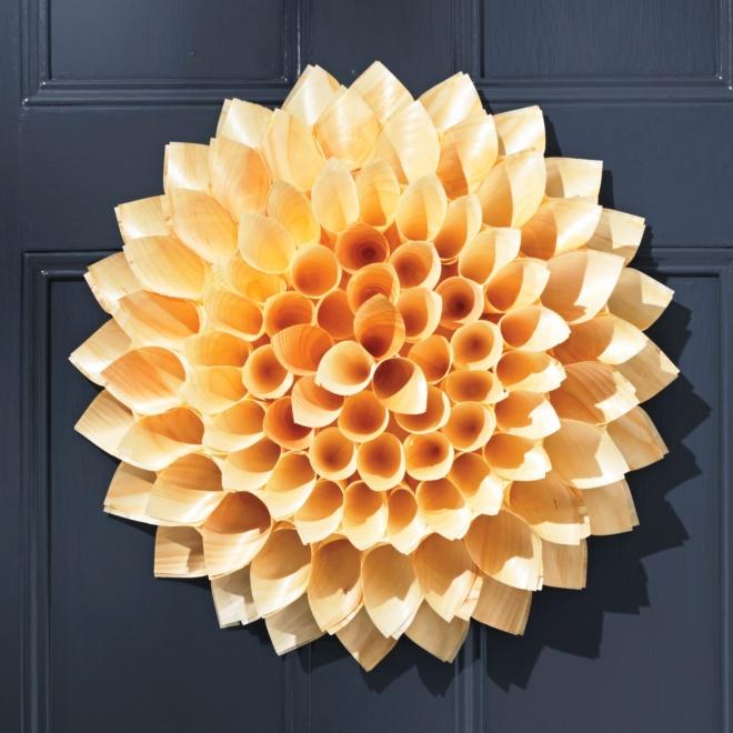 cone-door-wreath-052-d111372_sq